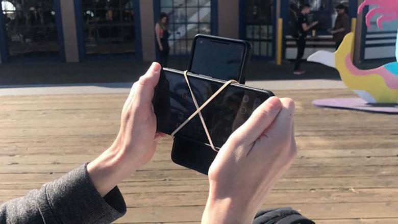 هک خنده دار دوربین گوشی برای ضبط همزمان فیلم های عمودی و افقی
