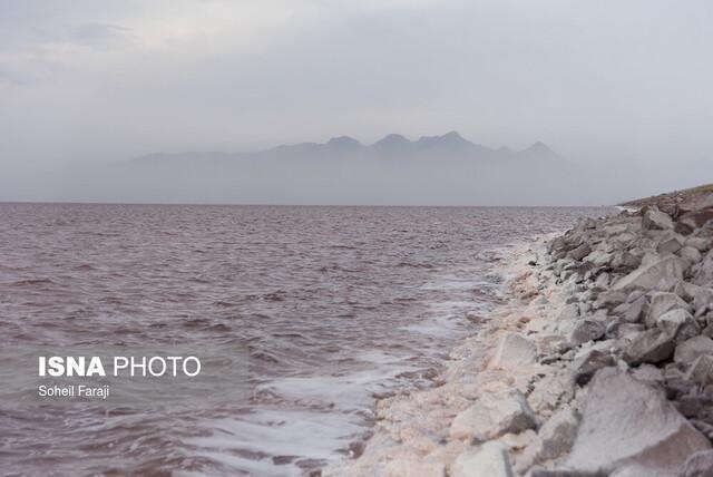 بررسی میزان وجود یک عنصر سمی در دریاچه ارومیه