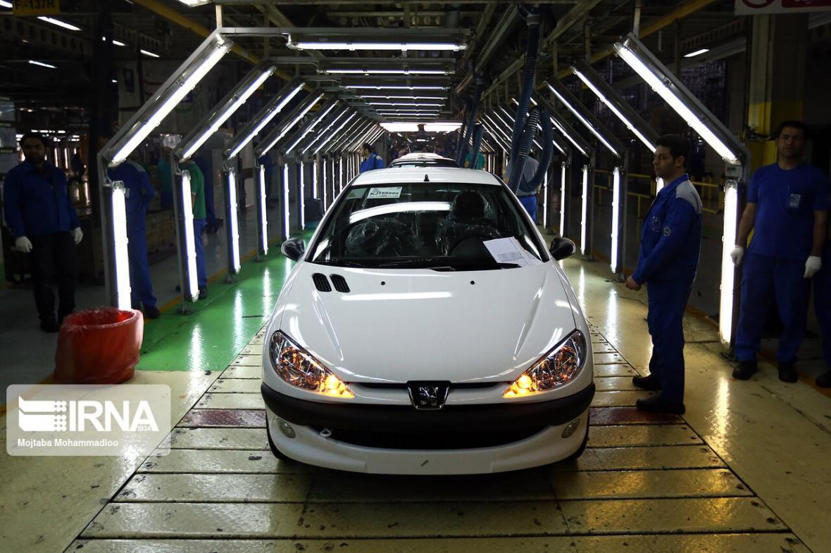 خبرنگاران ثبت نام در فروش فوق العاده و پیش فروش خودرو صرفا به وسیله خودروسازان