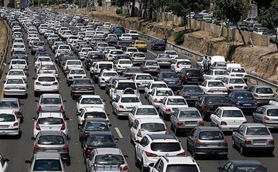 ترافیک سنگین در آزادراه قزوین-کرج، محور شمشک-دیزین مسدود است