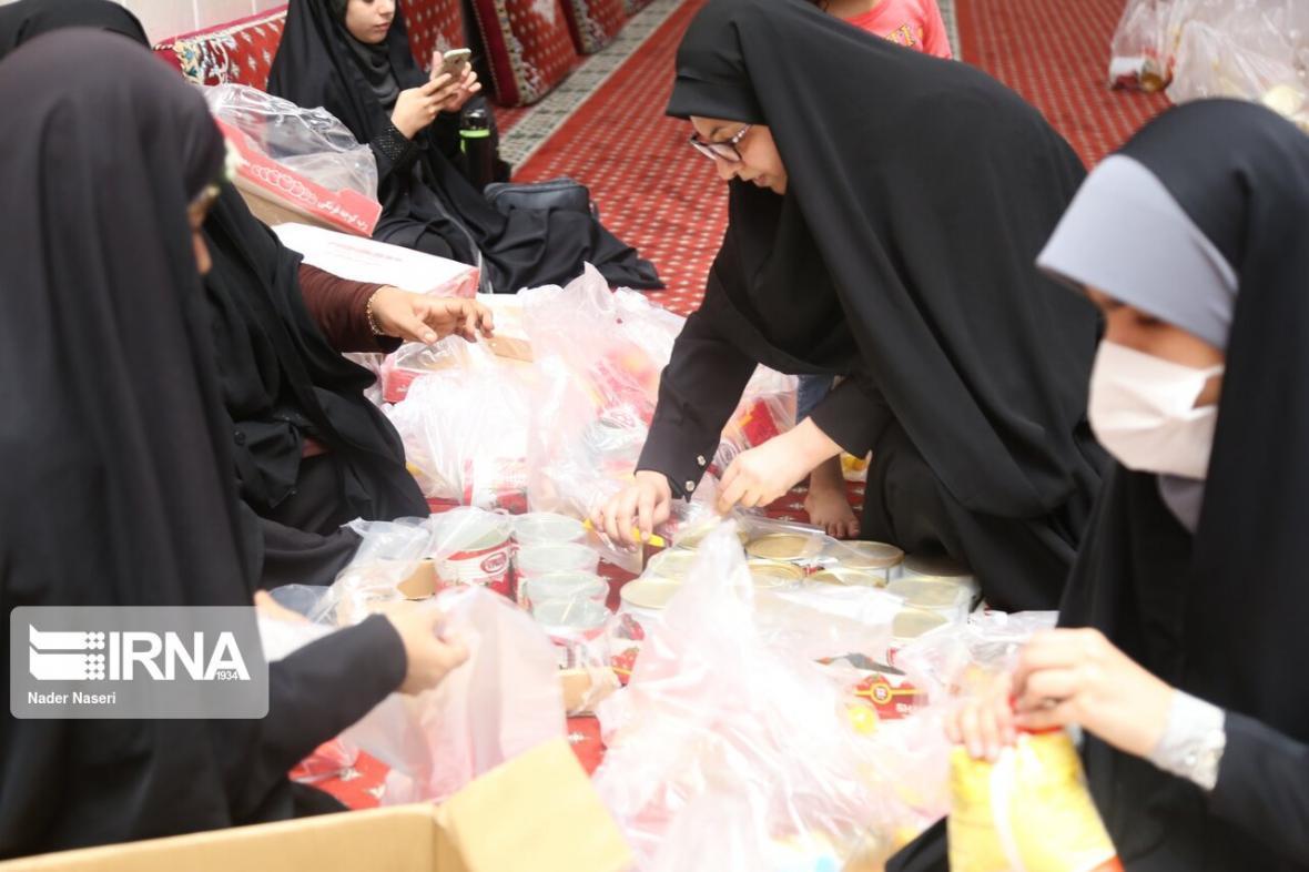 خبرنگاران سمن های جوان قزوین، چهار هزار و 900 بسته معیشتی را توزیع کردند