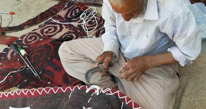 تنها هنرمند بازمانده رشته پالان دوزی گلستان در راستا ثبت ملی