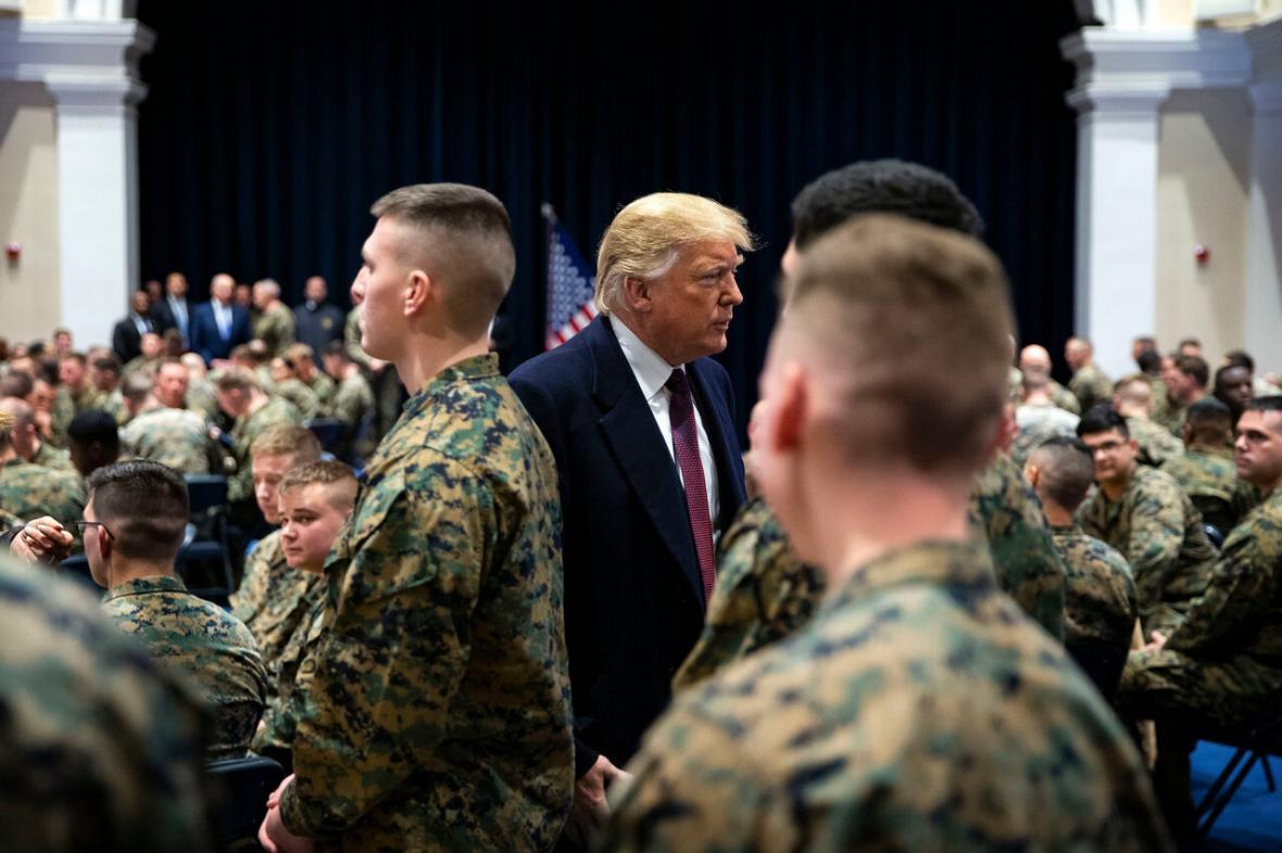 نظر منفی نیمی از نظامیان آمریکا نسبت به ترامپ