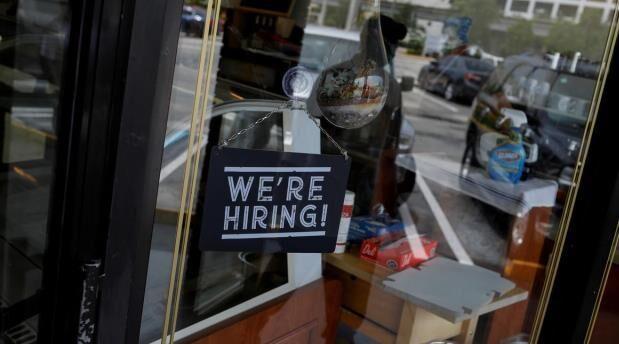 خبرنگاران رویترز: بهبود کسب و کار شرکت های آمریکایی آسیب دیده از کرونا طول می کشد