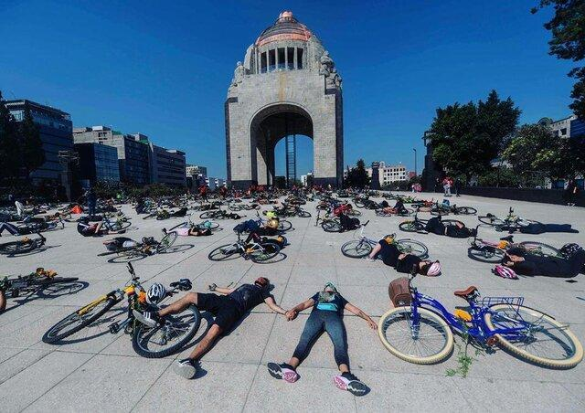 عکس روز، دوچرخه سوارها علیه راننده ها