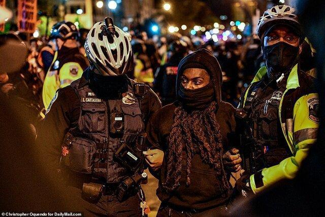 پلیس با هزاران معترض ضد ترامپ مقابل کاخ سفید درگیر شد