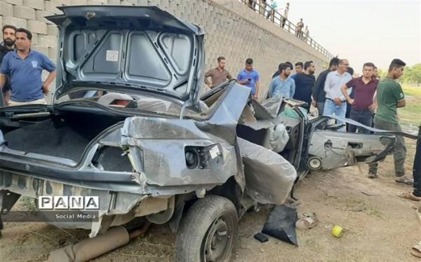 20 زخمی و فوتی در تصادف اتوبوس با وانت نیسان