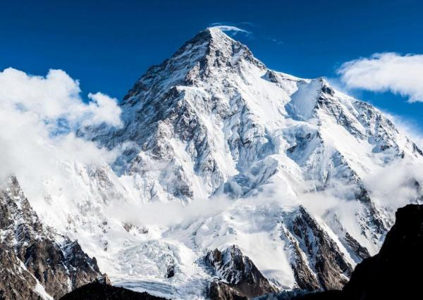 خبرنگاران لشکرکشی 70 نفره برای رسیدن به قله وحشی