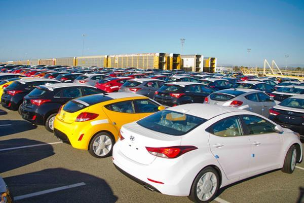 کاهش شدید قیمت خودروهای وارداتی