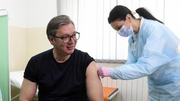 جایزه 25 یورویی به شهروندان صربستان برای زدن واکسن کرونا